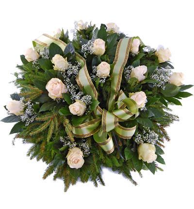 wieniec pogrzebowy z jasnych róż